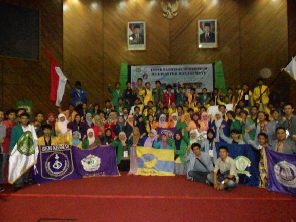 photo setelah kegiatan international symposium on disaster management